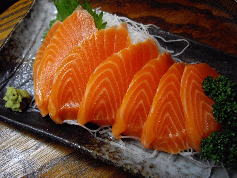 Lachs und andere fettige Fischsorten stellen eine hervorragende Omega-3-Quelle dar. (Bildquelle: Flickr / [puamelia] ; CC Lizenz)