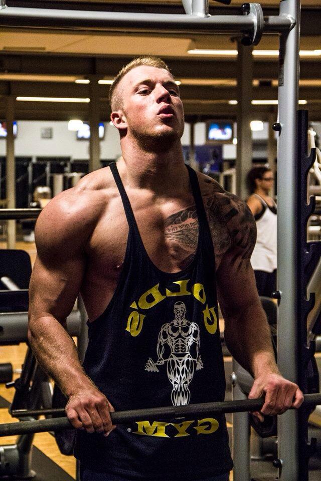 """Bodybuilding-Athlet Kay """"Schmale Schulter"""" im Gespräch mit AesirSports.de"""