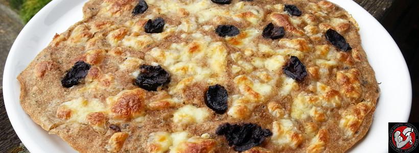 Dinkel-Vollkorn Mozzarella Pizza mit Olivenöl