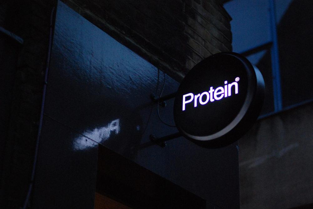 Die optimale Proteinzufuhr: Eiweiß liefert nicht nur Bausteine für die Muskulatur