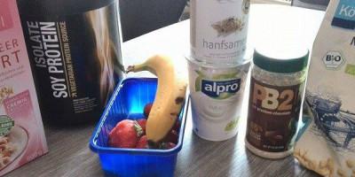 Vanille-Hanf-Shake mit Choclate Peanut Butter Flavour