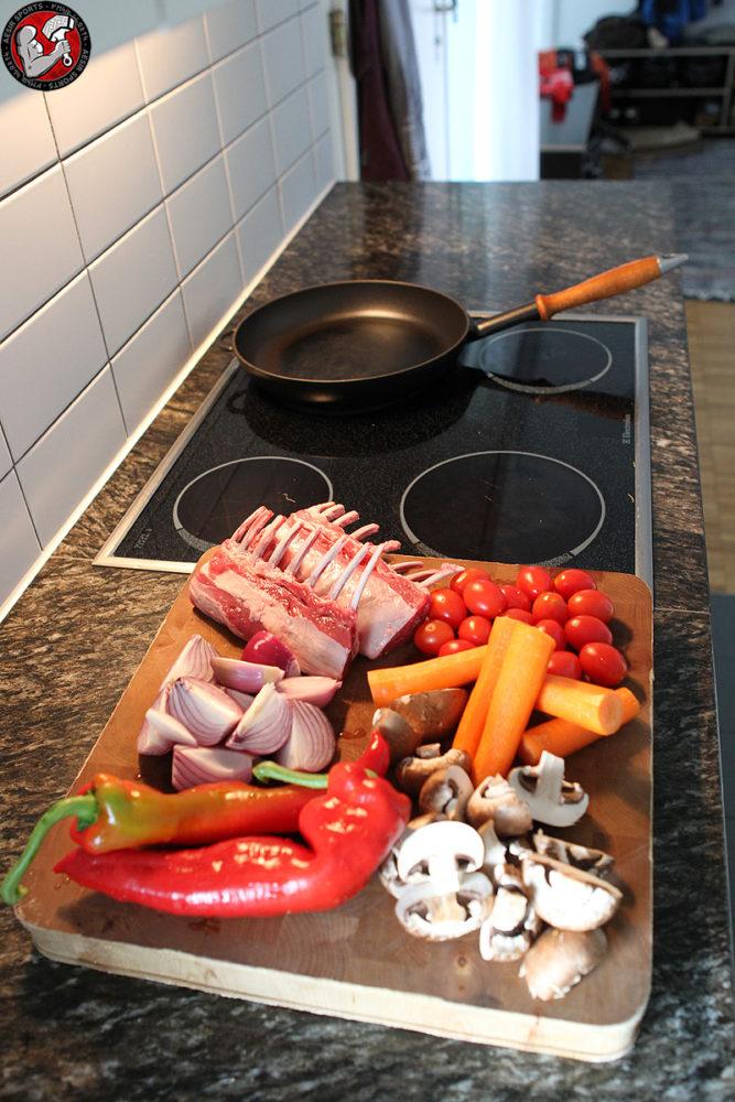 Lammrack mit Balsamico Sauce & Ofenkartoffeln