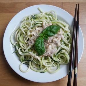 Rezept: Zucchini Nudeln mit veganer Carbonara