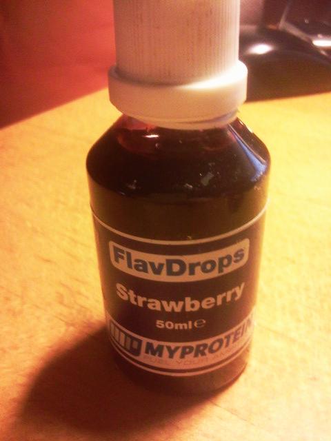 FlavDrops-Strawberry-Erdbeere-Myprotein.com