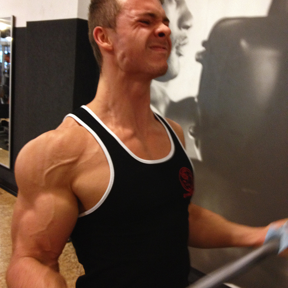 Fitness-Athlet & Youtuber Fitness Oskar im Gespräch mit AesirSports.de