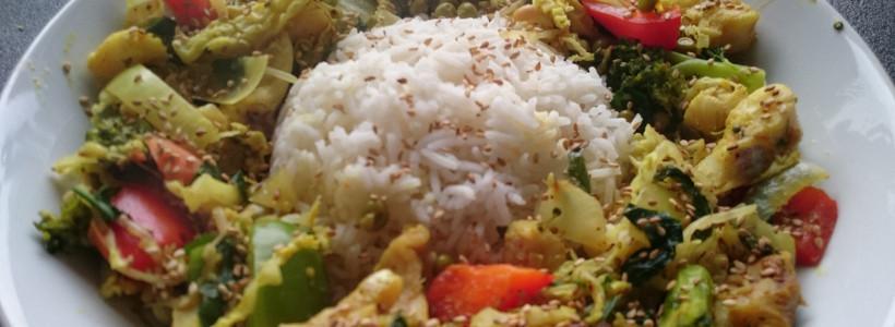 Kokos-Gemüse-Pfanne mit Vollkornreis