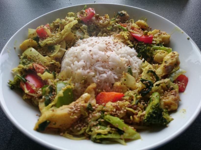 Kokos-Gemüse-Pfanne-mit-Vollkornreis-Bild