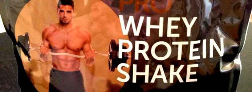 """Review: Pro Whey Protein Shake """"Erdbeere"""" von Qi² Sports Nutrition"""