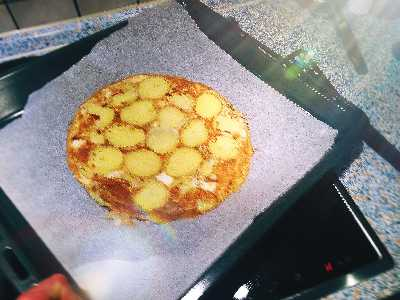 Kartoffelboden der kalorienarmen Pizza
