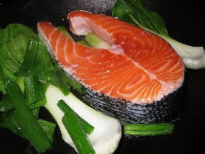 Lachs ist reich an Fischöl und Omega 3 Fetten