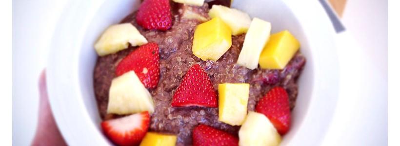 Quinoa Porridge mit Früchten