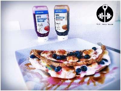 Rezept: Schnelle 10 Minuten Pancakes | 188 kcal pro Pfannkuchen