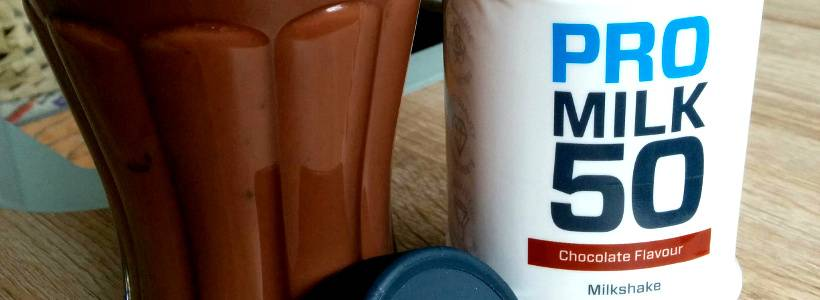 Hier erfährst du, was in den Pro Milk 50 RTD's drin ist, wie sie schmecken und ob der Protein Drink als empfehlenswert durchgeht. Review: Pro Milk 50 RTD von Myprotein im Test