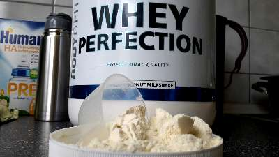 Whey Perfection Dose mit Pulver