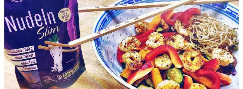 Rezept: Konjaknudeln mit Crevetten und Gemüse
