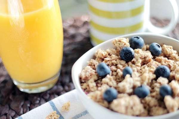 Wieso macht mich das Frühstücken hungrig?
