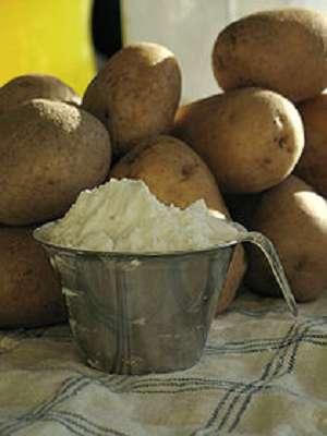 Das Erhitzen und Abkühlen verändert die Stärke in Kartoffeln - es entsteht resistente Stärke, ein Ballaststoff, über den sich die gute Darmflora freut. (Bildquelle: Wikimedia.org / Jon Palbo ; CC Lizenz)