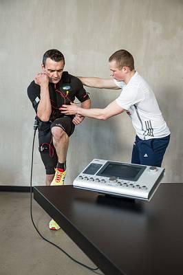 EMS Training (Elektromyostimulation): Wie sinnvoll & wirksam ist es wirklich?
