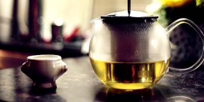 Grüner Tee: Verbrenne 5 Gramm Fett pro getrunkene Tasse