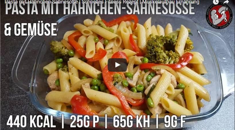 Pasta mit Hähnchen Sahne-Sauce | Schnelles Fitness Rezept