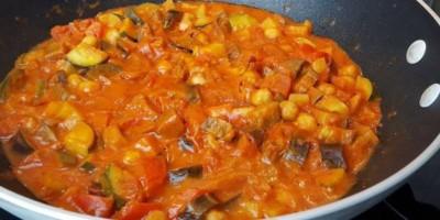 Kichererbsen-Gemüse Curry | Veganes Curry Rezept