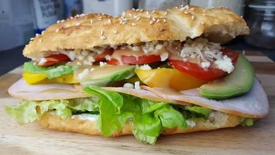 Hähnchen-Avocado Sandwich | Fitness Sub