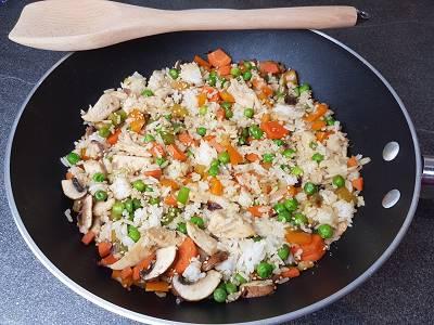 Gebratener Reis mit Hähnchen | Gesundes Mittagessen