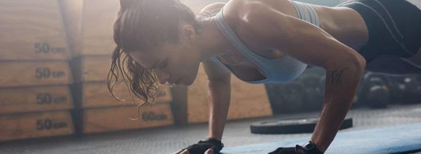 Frauen & Wettkampfdiät: Runter auf 10% Körperfettanteil – Mängel, Muskeln, Hormone & Jojo-Effekt   Studien Review