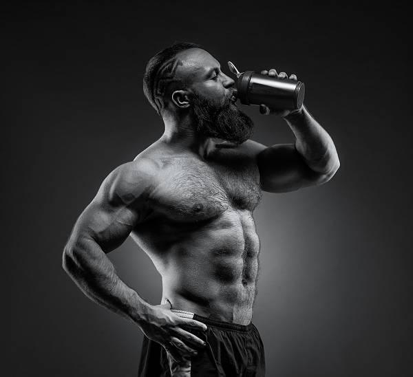 Intermittent Fasting Mythos #5: Eine konstante Aminosäureversorgung aufrecht erhalten durch die Proteinaufnahme alle 2-3 Stunden. Der Körper kann nur 30 g Protein pro Mahlzeit aufnehmen