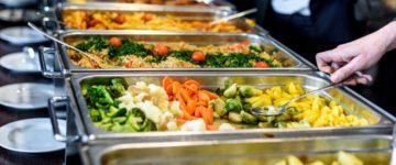 Gewichtszunahme während Urlaub, Anlässen & Feiertagen vermeiden: 10 praktische Tipps