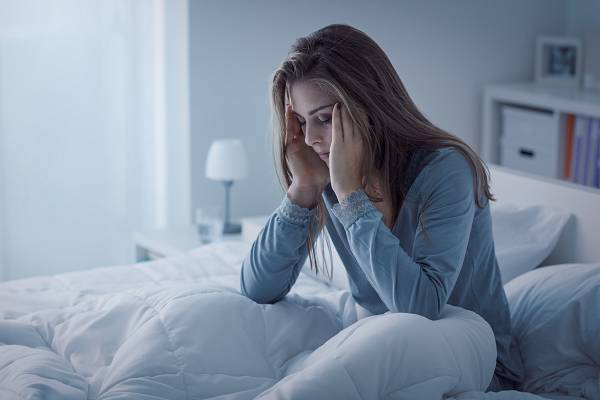 Wie kann zu wenig Schlaf eine Fettzunahme bewirken?