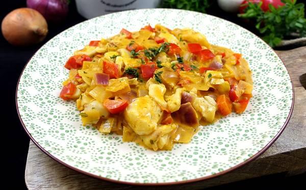 Rezept: Zanderfilet in einer Paprika-Zwiebel-Sauce