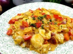 Zanderfilet in einer Paprika-Zwiebel-Sauce | High Protein Rezept