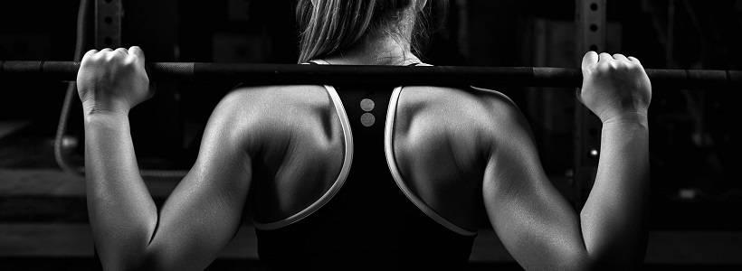 Kniebeugen und Kreuzheben verbreitern NICHT deine Taille