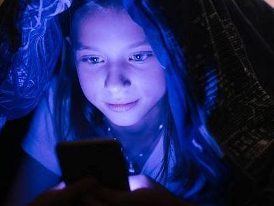 Künstliches Licht und Einschlafprobleme: Was man dagegen tun kann