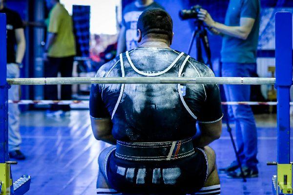 Wettkampfsportler auf Elite-Niveau kochen garantiert nicht mit Wasser. Wer ganz nach oben will, der riskiert auch seine Gesundheit, was jedem klar sein sollte.