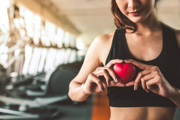 Bei gesunden, trainierten Individuen kann der gezielte Einsatz des Valsalva Manövers dabei helfen, schwerere Gewichte mit korrekter Technik zu bewegen, was sich wiederum in größeren Kraftleistungen (und damit besseren Fortschritten im Training bzw. bei Wettkämpfen) niederschlägt.