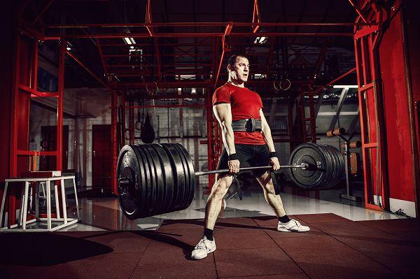 Bodybuilder sind vielleicht nicht die stärksten, aber sie gehören zweifelsohne in die Kategorie der überdurchschnittlich starken Menschen.