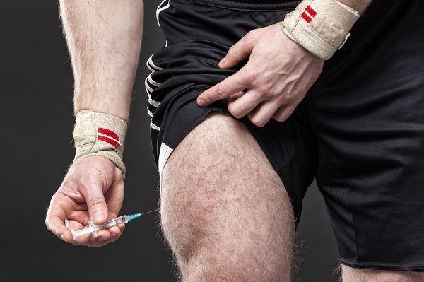 """Es ist ein Fakt, dass anabole & leistungssteigernde Mittel beim Muskel- und Kraftaufbau helfen, aber das bedeutet weder, dass du der nächste Mr. Olympia wirst, wenn du sie nimmst, noch dass du eine muskulöse und ästhetische Form erreichst. Die Tatsache, dass es viele """"Bodybuilder"""" gibt, die naschen und trotzdem Scheisse aussehen, steht hierfür Pate."""