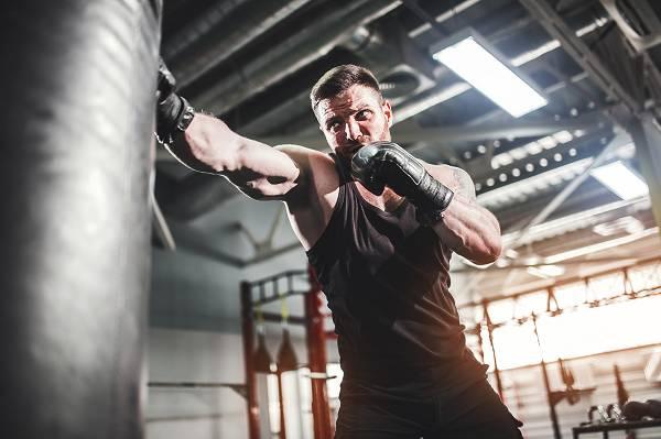 """Frei nach dem Motto """"Der Appetit kommt beim Essen!"""" sind Bewegung und Training der Schlüssel, um eine intrinsische Motivation zu erlangen. Was dir zu Beginn eventuell noch schwer fällt (da du extrinsisch motiviert bist), ändert sich im Verlauf der Zeit und mit den erreichten Fortschritten."""