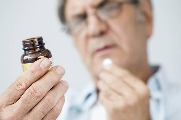 Bedenke stets, das Supplemente und Medikamente, die das Ein- und Durchschlafen fördern, nicht das erste Mittel der Wahl sein sollten, um Schlafprobleme in den Griff zu bekommen. Hier werden Symptome behandelt, jedoch nicht die Ursachen. Jeder gesunde Mensch sollte - auch ohne Supplemente - in der Lage sein gut und erholsam schlafen zu können.